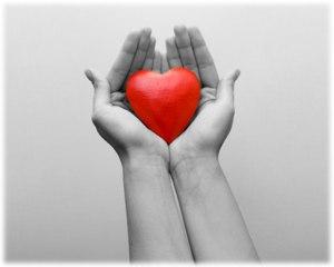 self_love_heart-in-hands-800